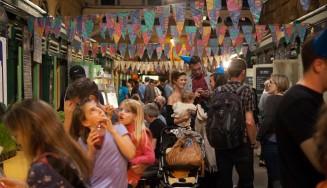 £B night market